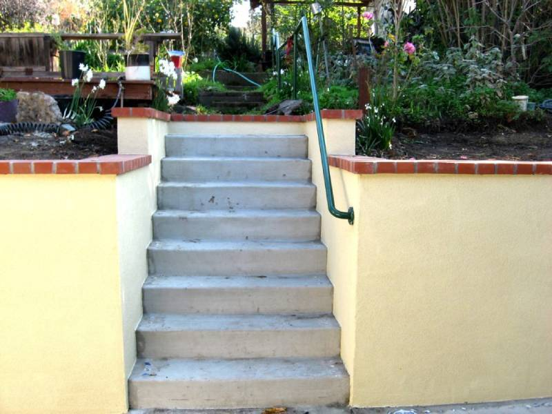 Patio and Retaining Wall in Oakland CA